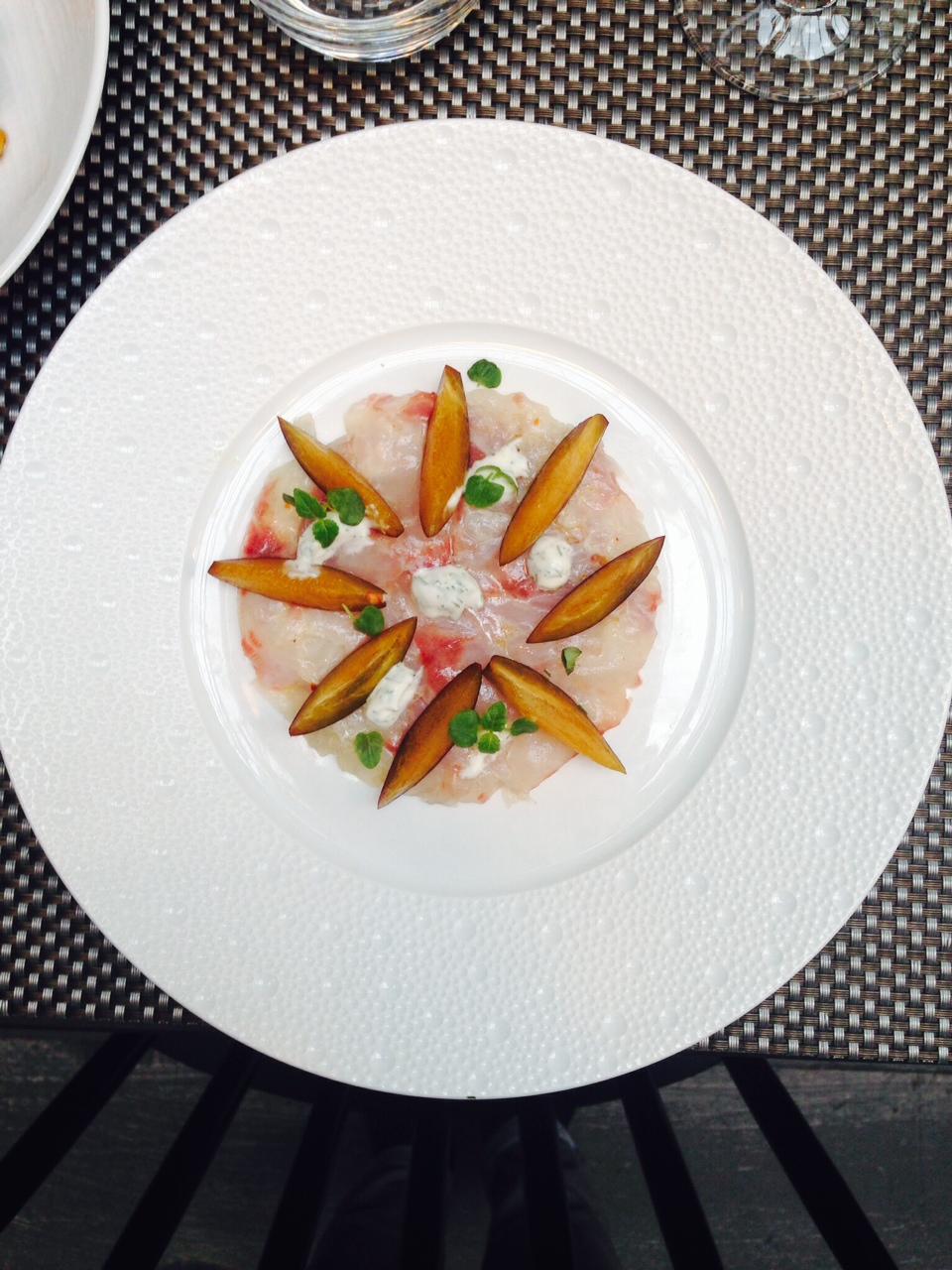 Carpaccio de dorade aux agrumes et p che blanche cr me - Cuisine attitude lignac ...